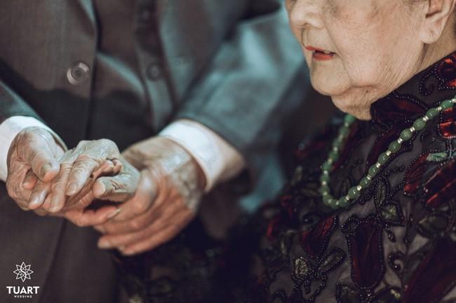 Mùa Valentine, ngắm bộ ảnh ngọt ngào của cụ ông, cụ bà đã 90 tuổi để thấy tình yêu thật tuyệt vời! - Ảnh 3.