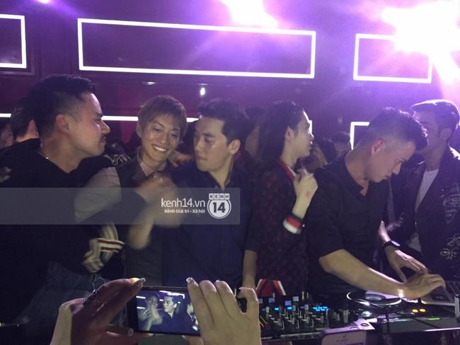 VJ kiêm DJ Seungri quẩy hết mình cùng dàn sao Việt tại bar - Ảnh 12.