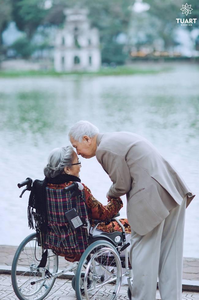 Mùa Valentine, ngắm bộ ảnh ngọt ngào của cụ ông, cụ bà đã 90 tuổi để thấy tình yêu thật tuyệt vời! - Ảnh 20.