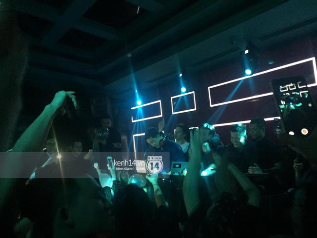 VJ kiêm DJ Seungri quẩy hết mình cùng dàn sao Việt tại bar - Ảnh 4.