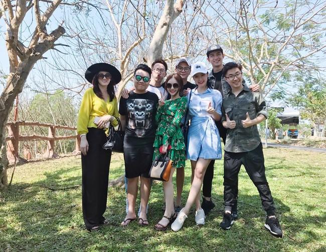 Võ Cảnh đi chơi cùng và thân thiết bên gia đình Angela Phương Trinh trước thềm valentine - Ảnh 2.