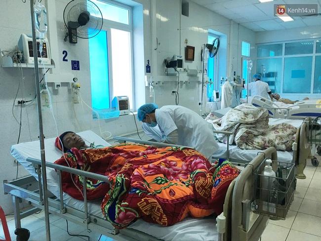 Lai Châu: 6 người chết, 15 người nhập viện cấp cứu sau khi ăn cơm, uống rượu tại đám ma - Ảnh 1.
