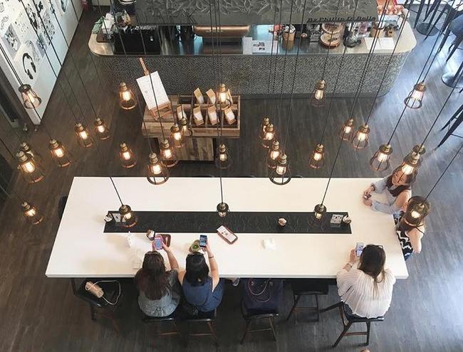 4 quán mới này sẽ chứng minh chẳng bao giờ bạn đi hết nổi cafe đẹp ở Bangkok! - Ảnh 27.
