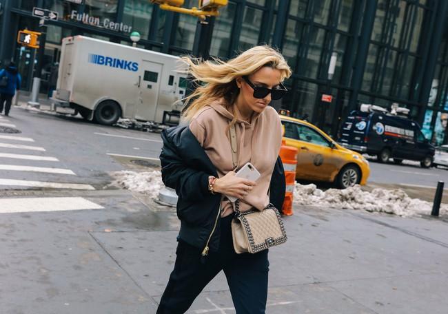Chiêm ngưỡng đặc sản street style không đâu đẹp bằng của Tuần lễ thời trang New York - Ảnh 19.