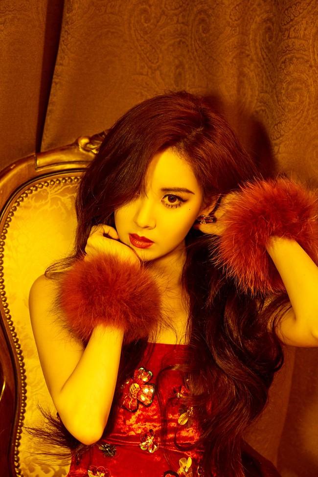 Seohyun (SNSD): Từ quý cô quyến rũ đến ngồi dạng tè he nhá hàng - Ảnh 3.