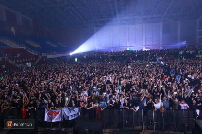Nhìn lại trào lưu EDM tại Việt Nam qua 6 đại nhạc hội hoành tráng nhất 2016 - Ảnh 15.