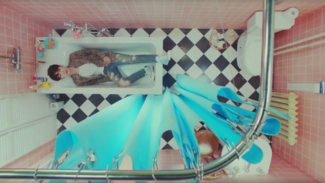 7 MV được quay theo kiểu độc nhất Kpop - Ảnh 16.