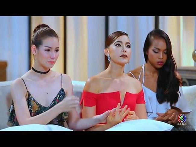 Cố tình vắng mặt, HLV The Face Thái nhờ bạn thân loại luôn thí sinh đội đàn chị - Ảnh 23.