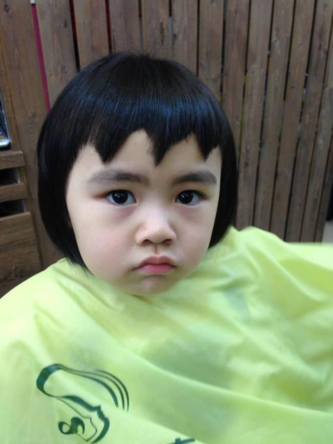 Bị mẹ ngăn cản, cô bé 5 tuổi vẫn kiên quyết cắt tóc răng cưa để giống thần tượng Maruko - ảnh 4