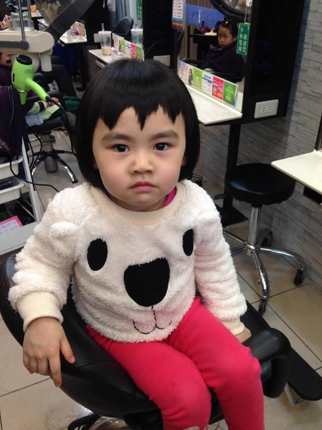 Bị mẹ ngăn cản, cô bé 5 tuổi vẫn kiên quyết cắt tóc răng cưa để giống thần tượng Maruko - ảnh 10
