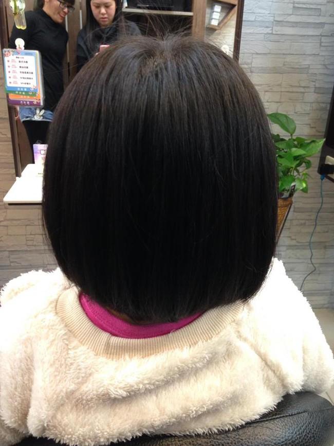Bị mẹ ngăn cản, cô bé 5 tuổi vẫn kiên quyết cắt tóc răng cưa để giống thần tượng Maruko - ảnh 15
