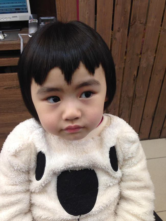 Bị mẹ ngăn cản, cô bé 5 tuổi vẫn kiên quyết cắt tóc răng cưa để giống thần tượng Maruko - ảnh 5