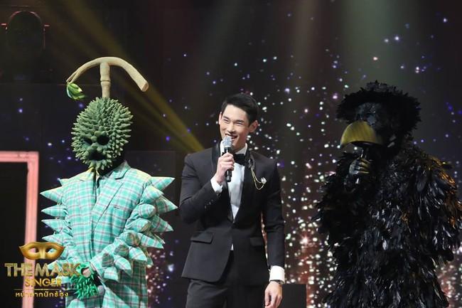 Chỉ có Thái Lan mới sáng tạo ra những ca sĩ mặt nạ kỳ quái như thế này! - Ảnh 4.