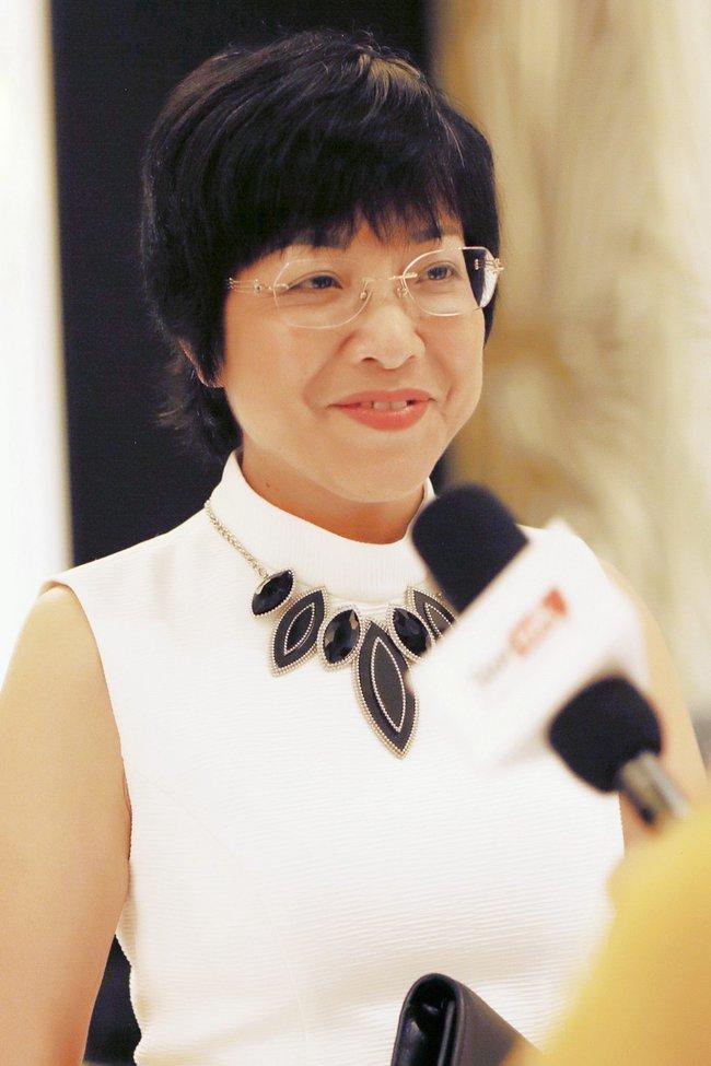 MC Thảo Vân xuất hiện tại tiệc cưới của MC Thành Trung
