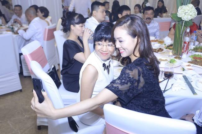 Ngọc Hà và Thảo Vân còn selfie thân thiết với nhau
