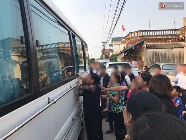 Người thân ở quê nhà đau đớn đón thi thể bé gái người Việt bị sát hại ở Nhật - Ảnh 4.