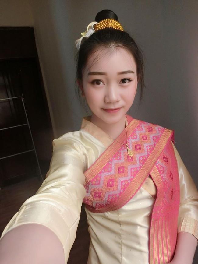 Nữ sinh Lào 19 tuổi cực xinh và nổi bật trong cuộc thi Hoa khôi Đại học Tây Bắc - Ảnh 7.