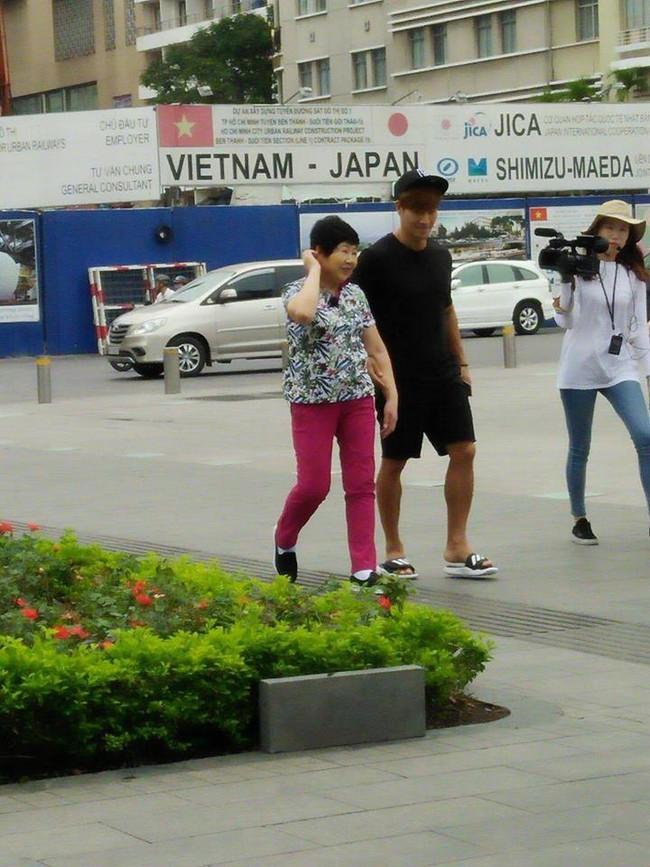 Show thực tế mà Kim Jong Kook cùng mẹ đến Việt Nam quay hình là gì? - Ảnh 9.