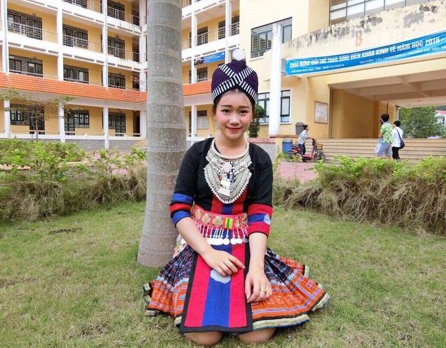Nữ sinh Lào 19 tuổi cực xinh và nổi bật trong cuộc thi Hoa khôi Đại học Tây Bắc - Ảnh 1.