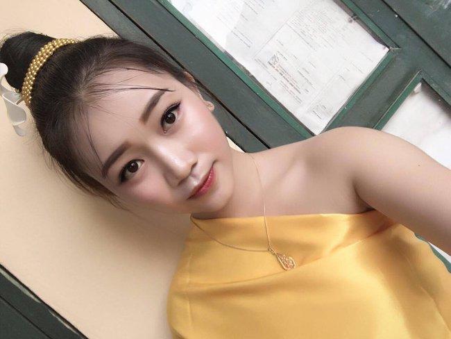 Nữ sinh Lào 19 tuổi cực xinh và nổi bật trong cuộc thi Hoa khôi Đại học Tây Bắc - Ảnh 8.