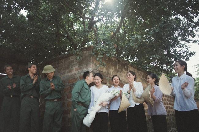 Độc nhất vô nhị: Chụp một lần, cặp đôi tái hiện được tất cả các kiểu lễ cưới Việt Nam trong 100 năm qua! - Ảnh 5.
