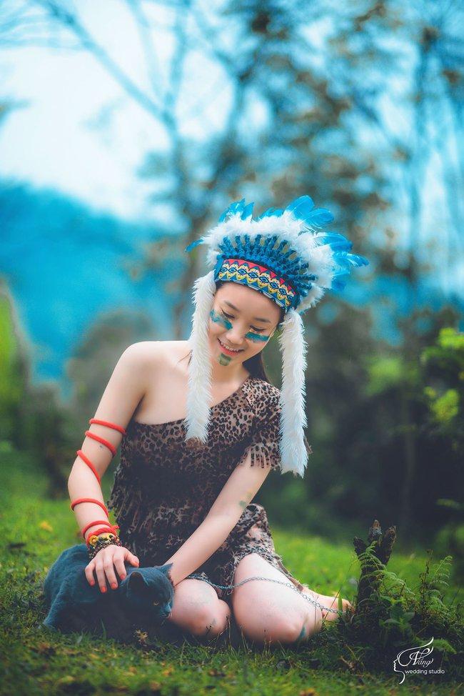 Thêm một ý tưởng cho mùa kỷ yếu: Cả lớp hóa thân thành thổ dân, người quấn khố, đầu đổi mũ lông ngỗng - Ảnh 7.