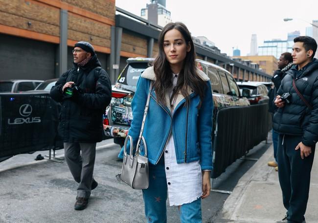 Chiêm ngưỡng đặc sản street style không đâu đẹp bằng của Tuần lễ thời trang New York - Ảnh 21.