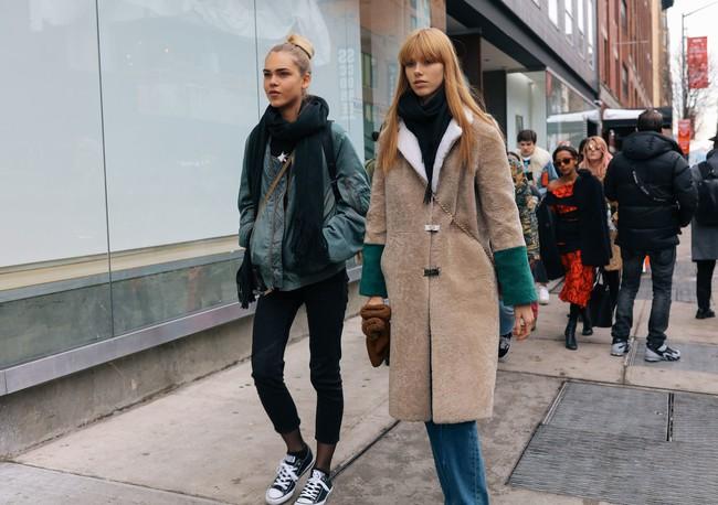 Chiêm ngưỡng đặc sản street style không đâu đẹp bằng của Tuần lễ thời trang New York - Ảnh 9.