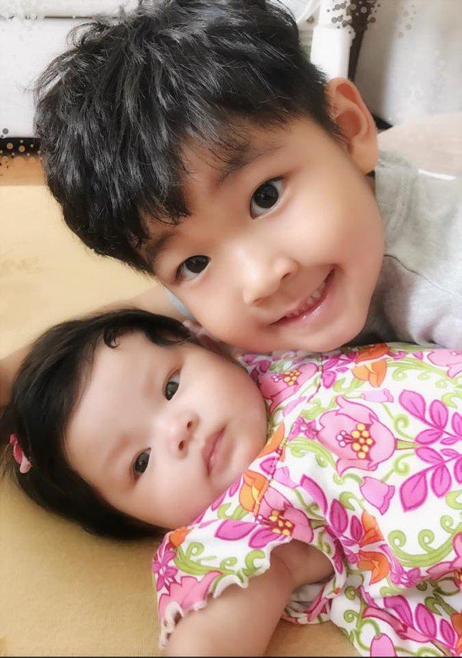 Hải Băng khoe ảnh con trai riêng của Thành Đạt xung phong chăm sóc em gái - Ảnh 4.