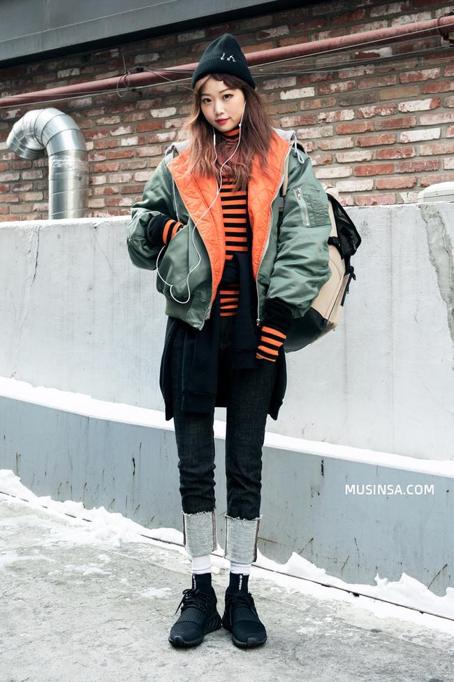 Làm sao để mặc đẹp được như thế? Phát ghen với street style nổi bần bật của giới trẻ thế giới - Ảnh 2.