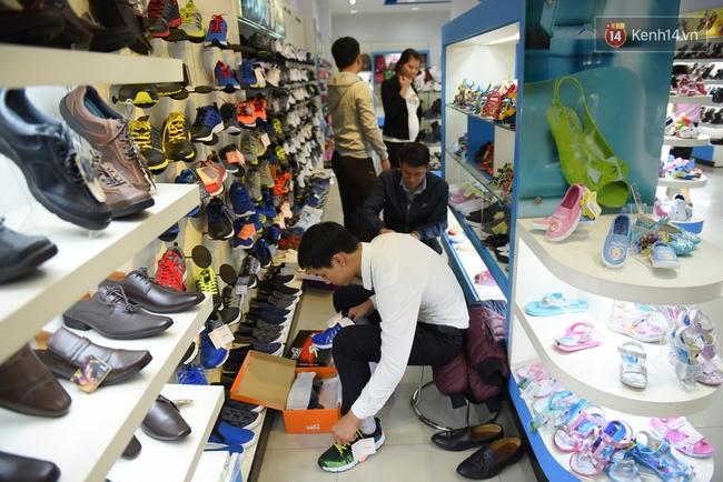 """Biti's """"lội dòng"""" ngoạn mục nhờ mẫu giày Sơn Tùng nhưng có thật sự thỏa mãn giới trẻ Việt?"""