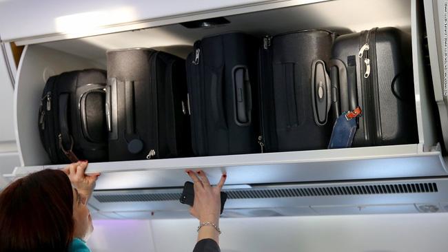 Đây là 10 điều các tiếp viên hàng không cực kỳ ghét ở hành khách đi máy bay - Ảnh 2.