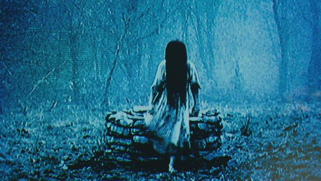 3 biểu tượng đã tạo nên người đẹp dưới giếng Sadako trong tượng đài kinh dị The Ring - Ảnh 1.