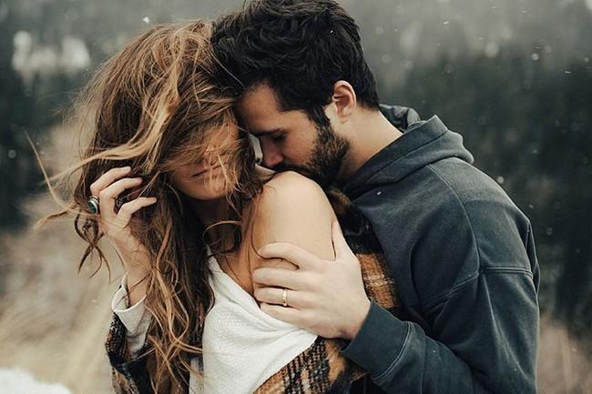 Top 5 câu hỏi ngớ ngẩn nhất mà anh nào cũng phát ngán khi người yêu chu môi lên hỏi - Ảnh 2.