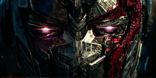 Optimus Prime nối gót Dominic Toretto phản bội gia đình trong trailer mới của Transformers: The Last Knight - Ảnh 3.