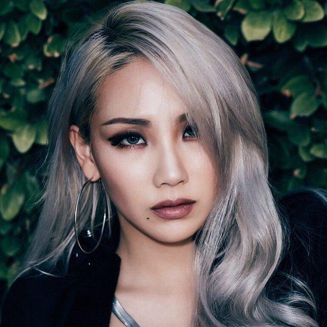 Changmakeup tạm biệt tóc bạch kim, chuyển sang màu nhuộm Bạch Cốt Tinh siêu nổi - Ảnh 2.