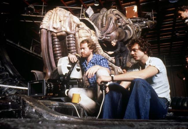 Bí ẩn đứng sau tạo hình khủng khiếp của Alien - Ảnh 2.