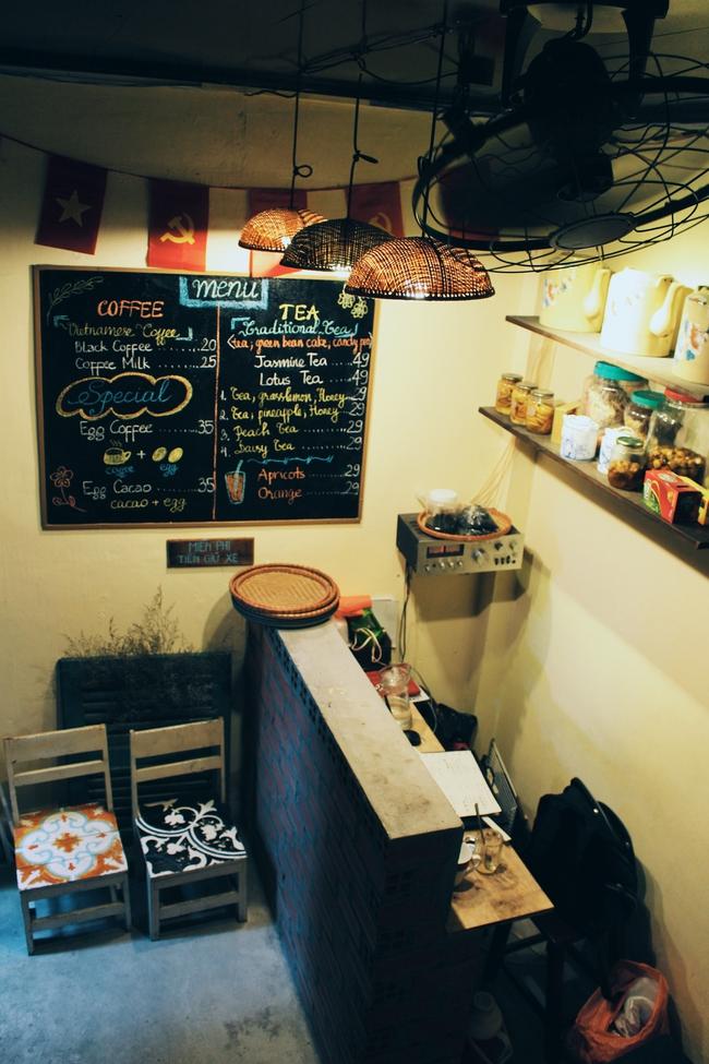 Ở ngay những khu phố Tây ồn ã, cũng có những quán cafe bình yên và xinh xắn như thế! - Ảnh 4.