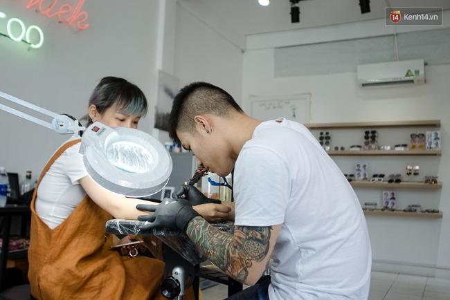 Chunhack - Chàng thợ xăm đẹp trai đang khiến giới trẻ Sài Gòn điên đảo với những hình xăm nhỏ cực chất - Ảnh 9.