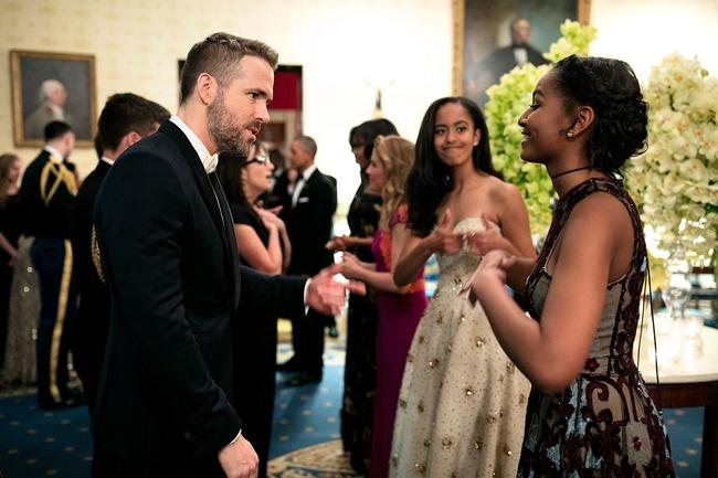 Những khoảnh khắc đáng nhớ bên vợ con của Tổng thống Obama trong 8 năm đương nhiệm - ảnh 21
