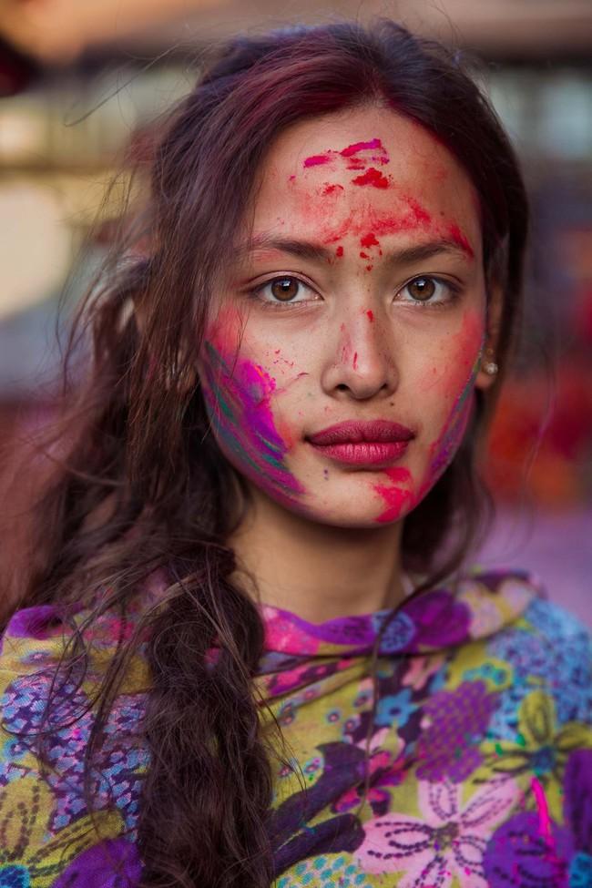 Ngắm nhìn thêm những hình ảnh về vẻ đẹp của phụ nữ trên toàn thế giới - Ảnh 45.