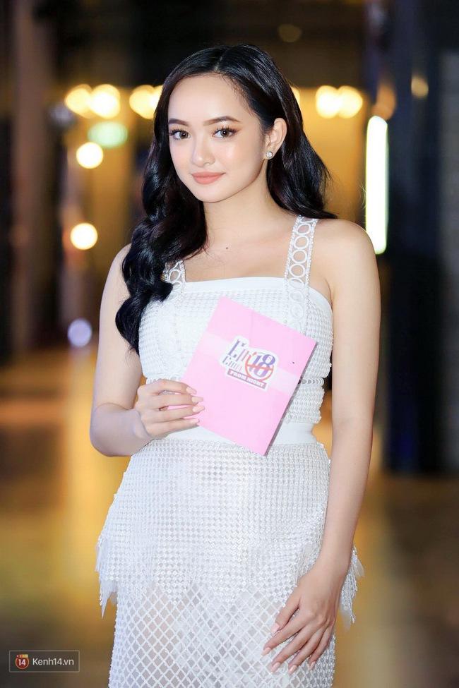 Kaity Nguyễn và Châu Bùi đọ sắc trên thảm đỏ Em Chưa 18 - Ảnh 3.