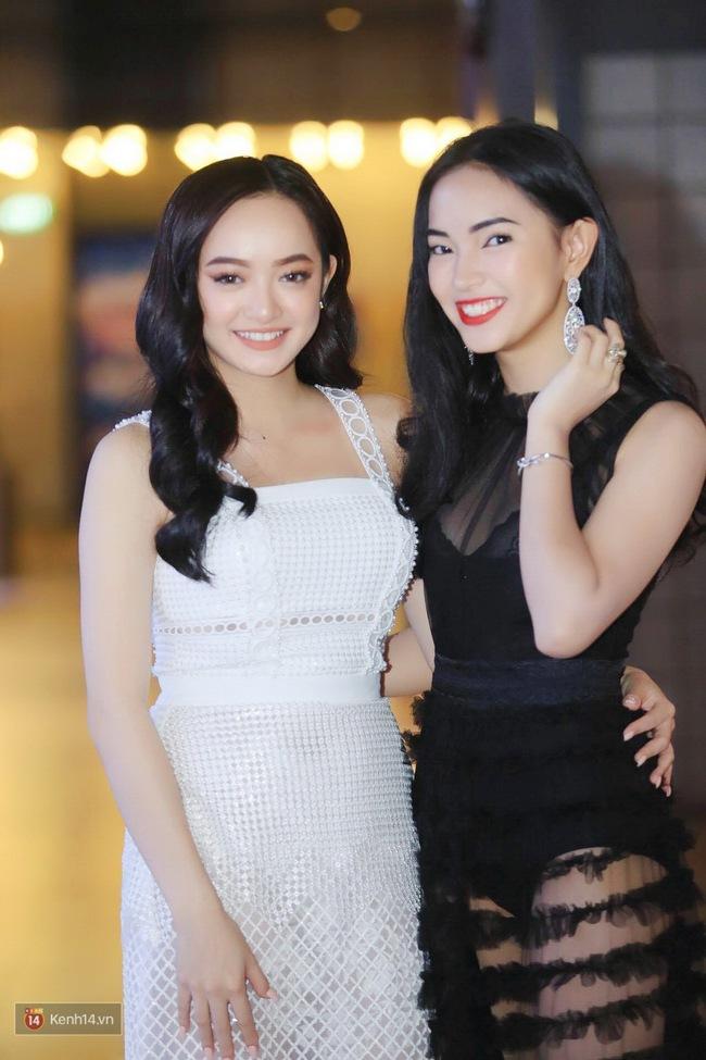Kaity Nguyễn và Châu Bùi đọ sắc trên thảm đỏ Em Chưa 18 - ảnh 1