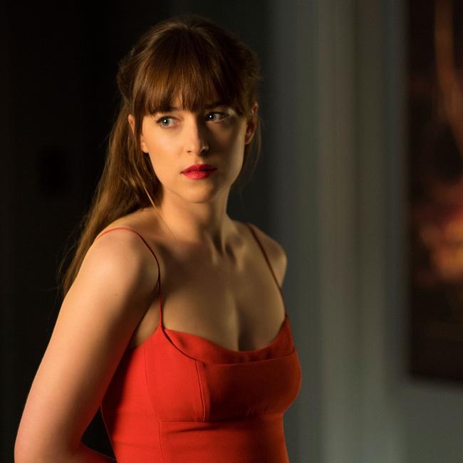 Đây chính là 4 thỏi son nhân vật Anastasia dùng trong Fifty Shades Darker - Ảnh 3.