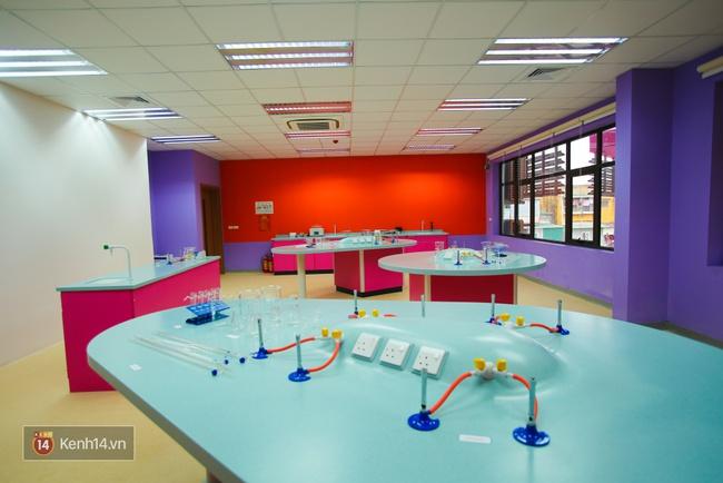 Du học tại chỗ ở Hà Nội tại ngôi trường mới toanh, sang xịn và toàn màu hồng! - ảnh 26