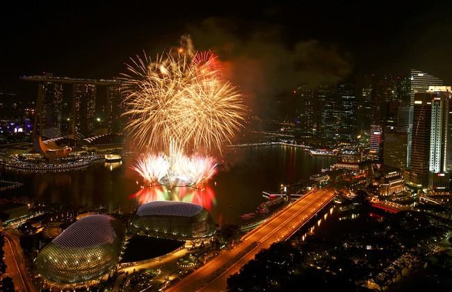 Pháo hoa rực sáng trên bầu trời các nước châu Á trong đêm giao thừa - Ảnh 5.