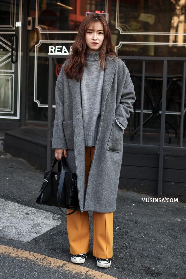 Ngắm street style đông đẹp đáng ghen tị của giới trẻ thế giới để ủ mưu lên đồ cho đợt lạnh tới - Ảnh 4.