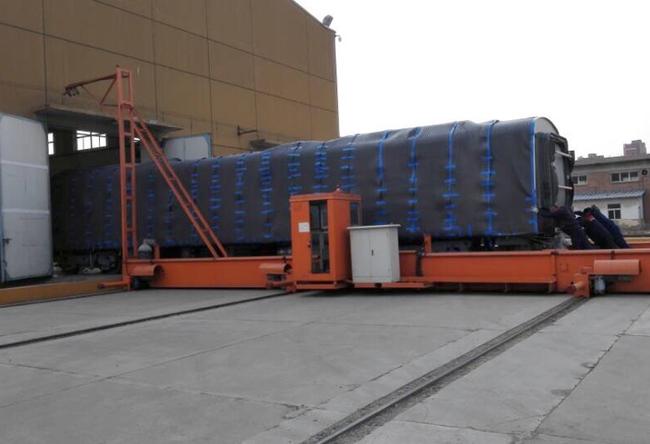 Cận cảnh đoàn tàu đường sắt Cát Linh - Hà Đông đang đóng gói, chuẩn bị vận chuyển về nước - Ảnh 3.