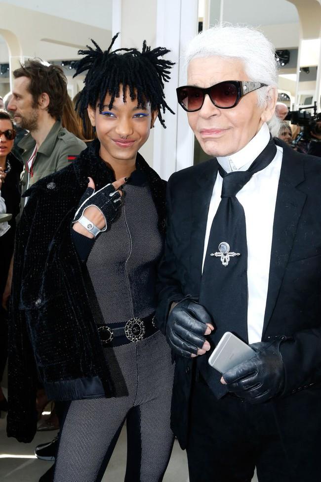 Ảnh diện đồ đôi của Châu Bùi - Cao Minh Thắng khiến Willow Smith đăng lên Instagram kèm icon thèm thuồng - Ảnh 6.