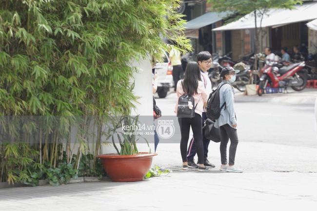 Quang cảnh bên ngoài nơi sẽ diễn ra buổi gặp gỡ fan của Yoona - Ảnh 8.